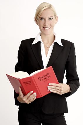 richtig lernen Frau mit Buch
